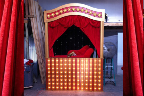 Puppet Stage for Miss Piggy